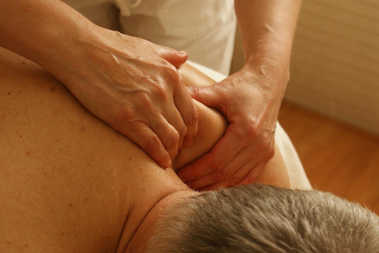 massage-389716_1280